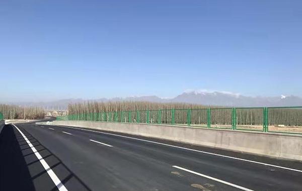 新疆哈密——梯子泉段高速万博mantex官网