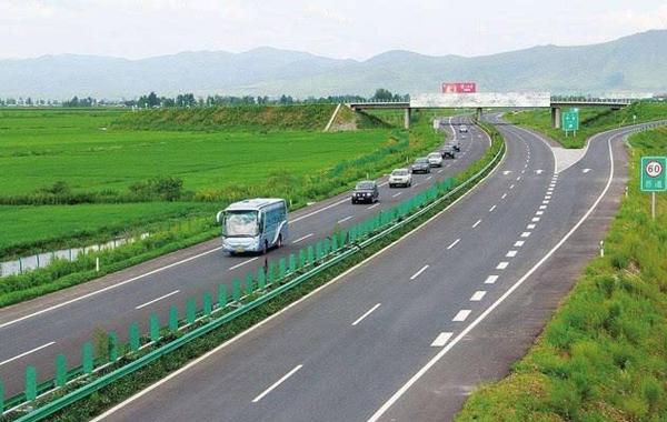 长春深圳高速公路承德至承唐段路面万博mantex官网